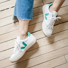 Load image into Gallery viewer, Veja White & Green Sneakers