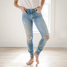 Load image into Gallery viewer, High Waisted Looker Ankle Chew - Mother Denim