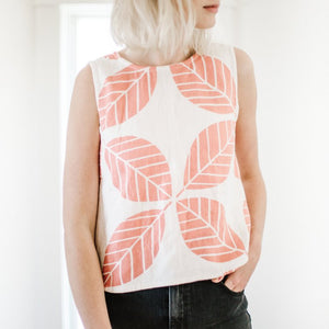Marcell Top in Coral Leaf Print Linen