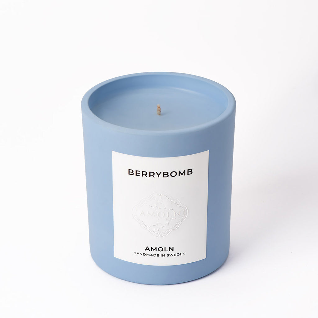 Amoln Berrybomb Candle Product Shot