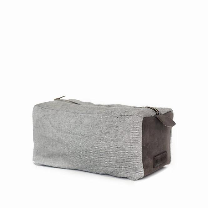 Boutonne Dopp Kit in Reverse Indigo and Chocolate