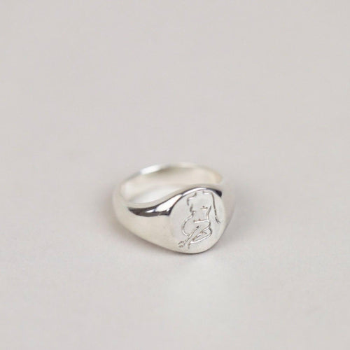 Femme Ring in Silver
