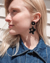 Load image into Gallery viewer, Lucy Bloomer Earrings