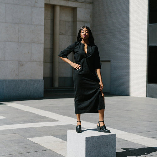 Winsome Leota Dress in Black Linen