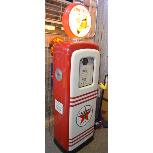 Texaco Red & White Gas Pump 01
