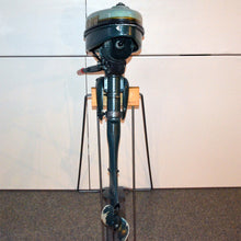 Load image into Gallery viewer, Elgin Model Used Outboard Motor 01