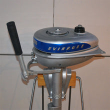 Load image into Gallery viewer, Evinrude Sportsman Used Outboard Motor 09