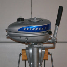 Load image into Gallery viewer, Evinrude Sportsman Used Outboard Motor 11