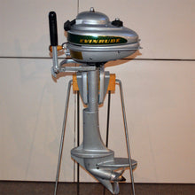 Load image into Gallery viewer, Evinrude 4416 Sportsman Used Outboard Motor 03