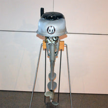 Load image into Gallery viewer, Martin 40 Silver Used Outboard Motor 01