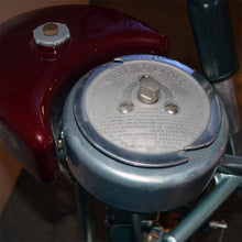 Load image into Gallery viewer, Neptune Muncie Gear Work 5 Used Outboard Motor 16