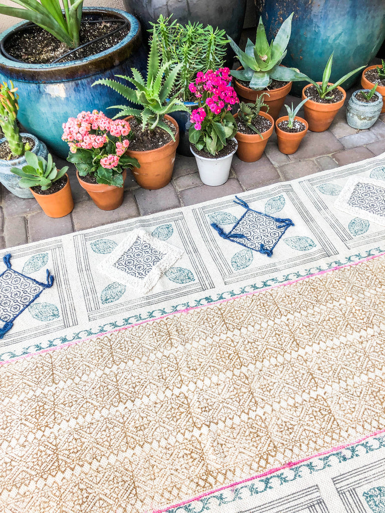 Beach Diamond Block Print Rug (4'x6')