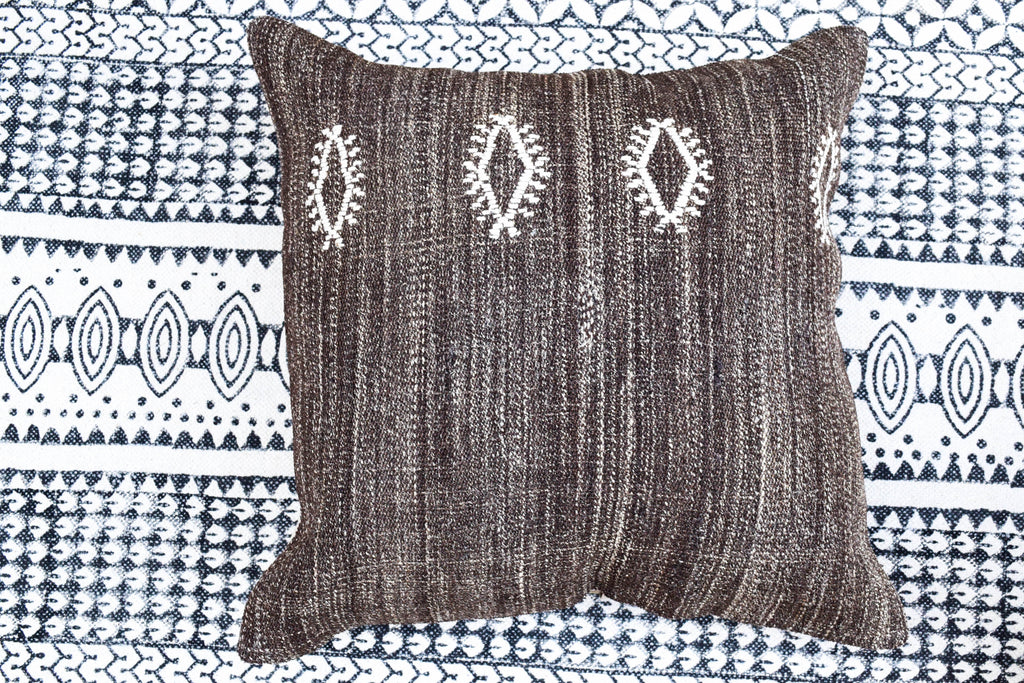 Mocha & Cream Stars Kilim Pillow (24x24)