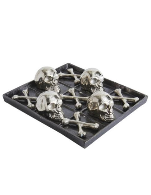 JJ Home Skull & Bones Tic Tac Toe Set