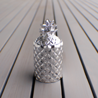 Thompson Ferrier Metallic Pineapple Candle