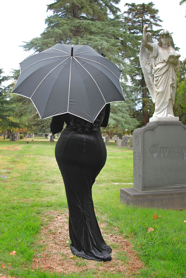 Vintage Seductress Umbrella in Black