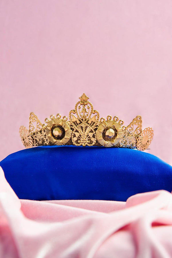 Arya Tiara in Gold