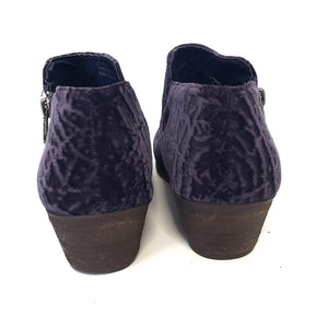 Very Volatile Selma Blue Velvet Ankle Booties Size 9