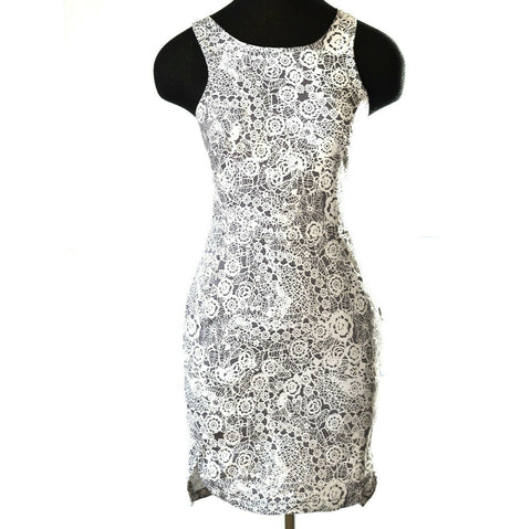 Talulah Sky Spirits Dress Black Gray White Fitted Mini Pockets Size Small