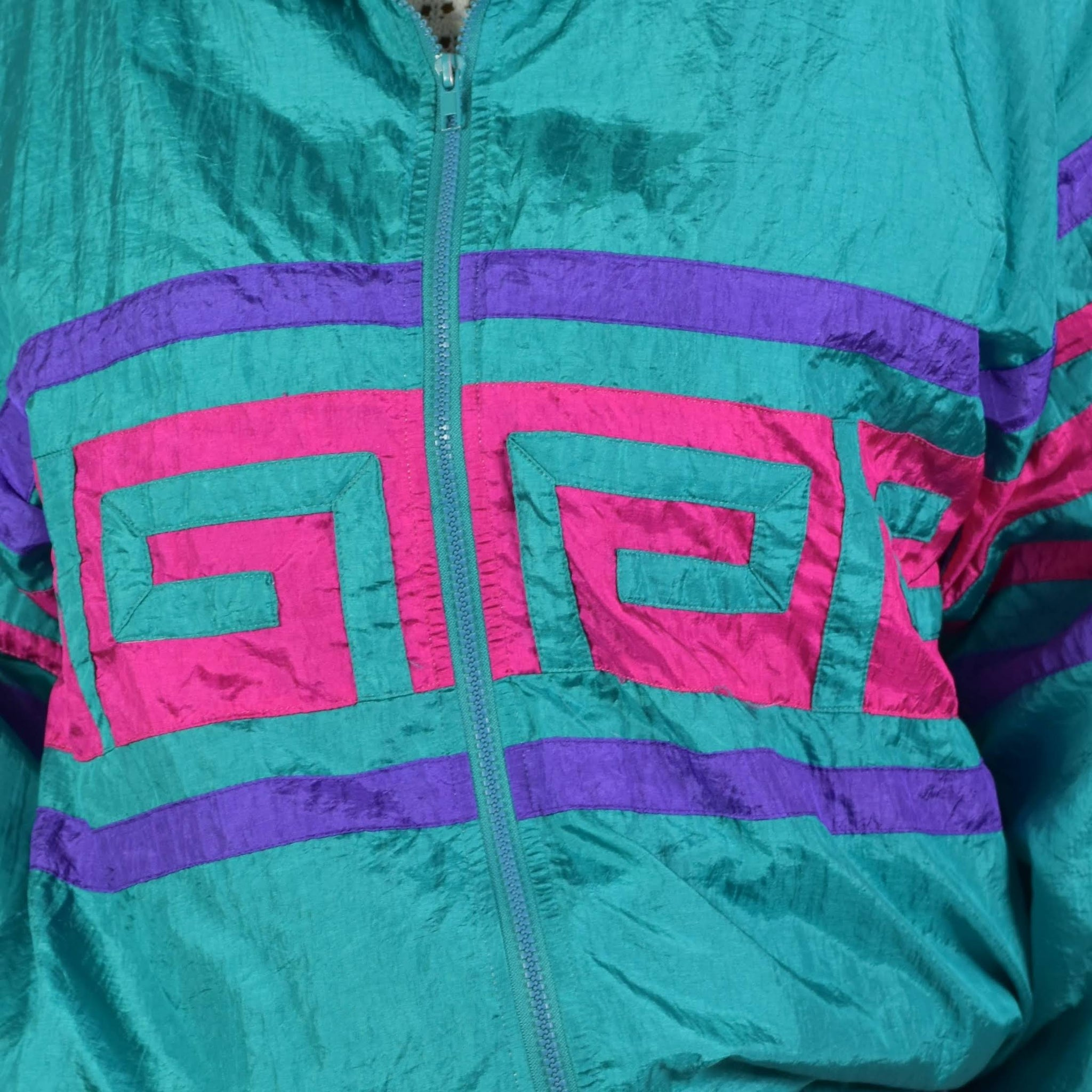 Vintage Nylon Jacket Windbreaker Size Medium