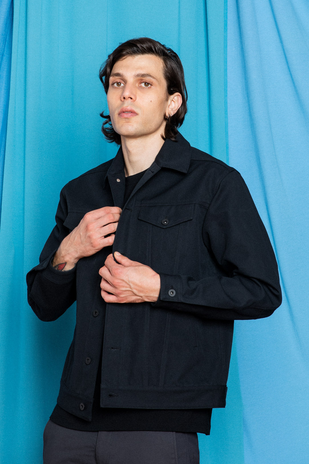 Fit Image of Daniele weathing the Experiment 249 - Duckcloth Shank Jacket in Black