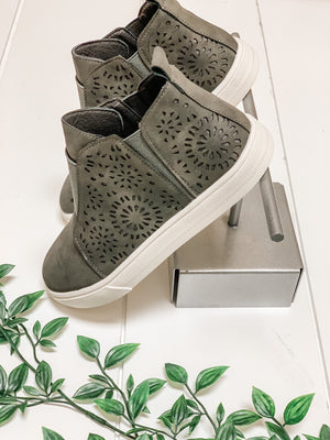 Meltaway High Top Sneakers- charcoal