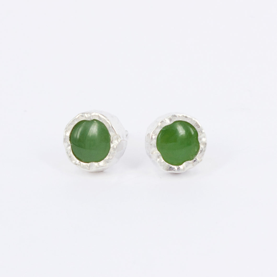 DM529B: Pounamu stud earrings
