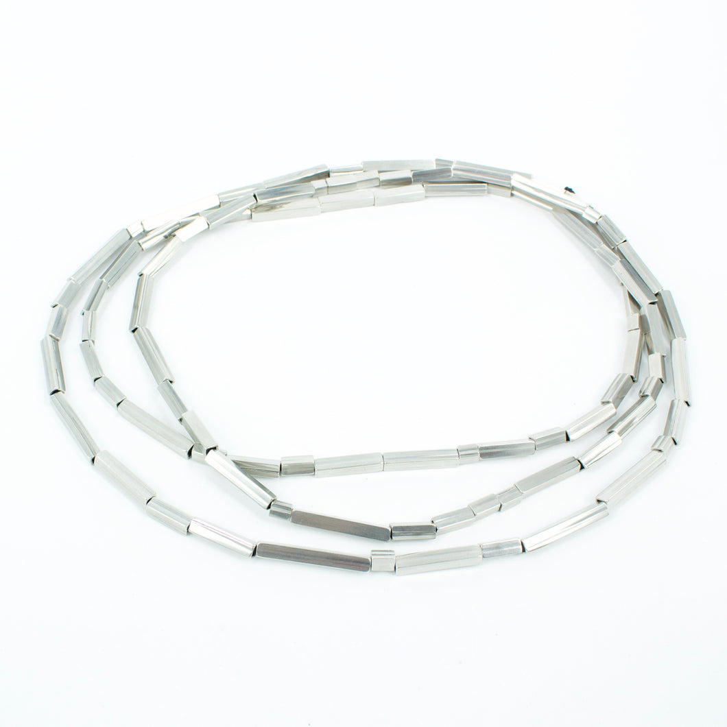 FS135: Square tube necklace
