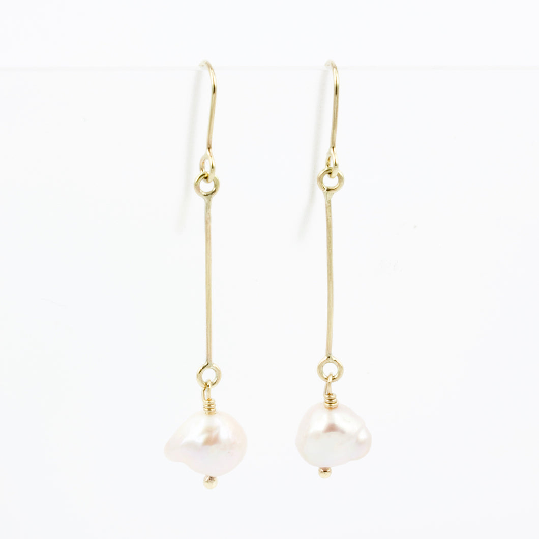 FS156: Fresh water pear drop earrings