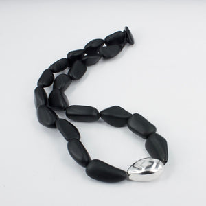 DH109: Basalt and silver necklace