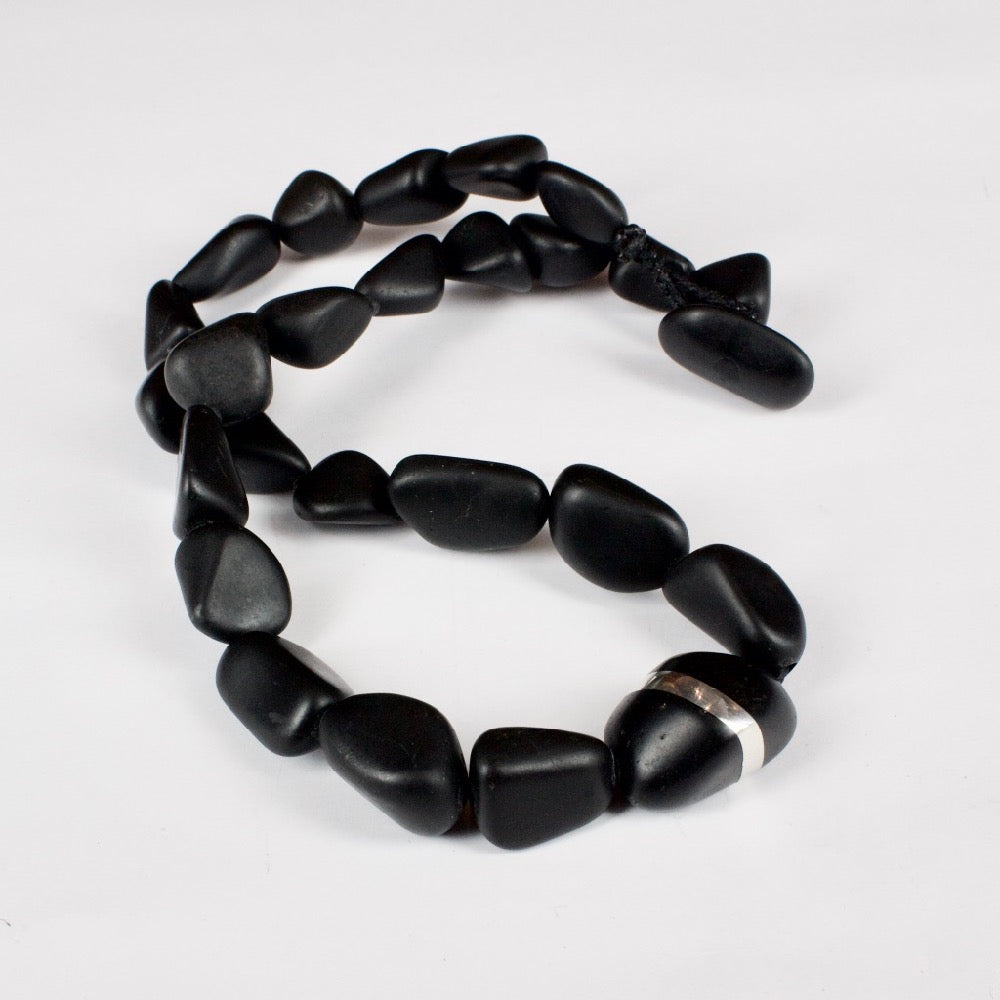 DH108: Spliced basalt necklace
