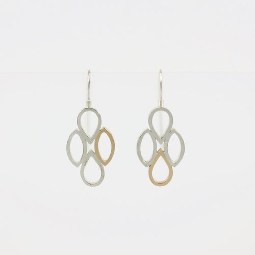 ES30: Cluster earrings