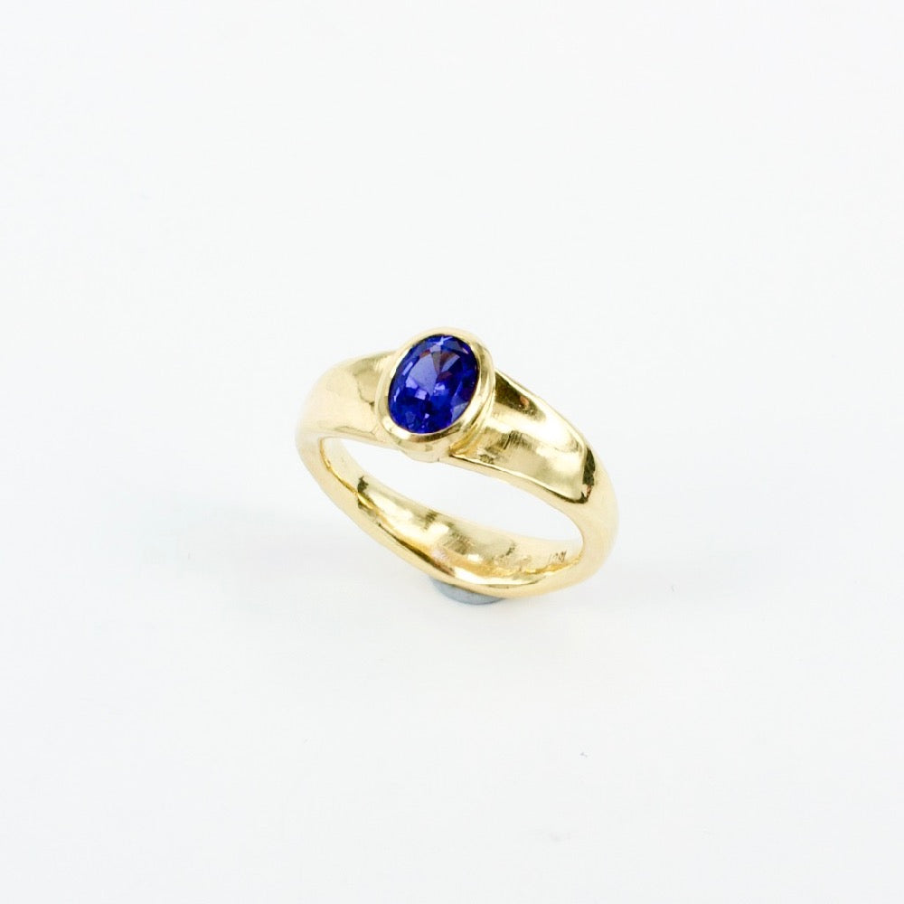 DM807A: Tanzanite ring