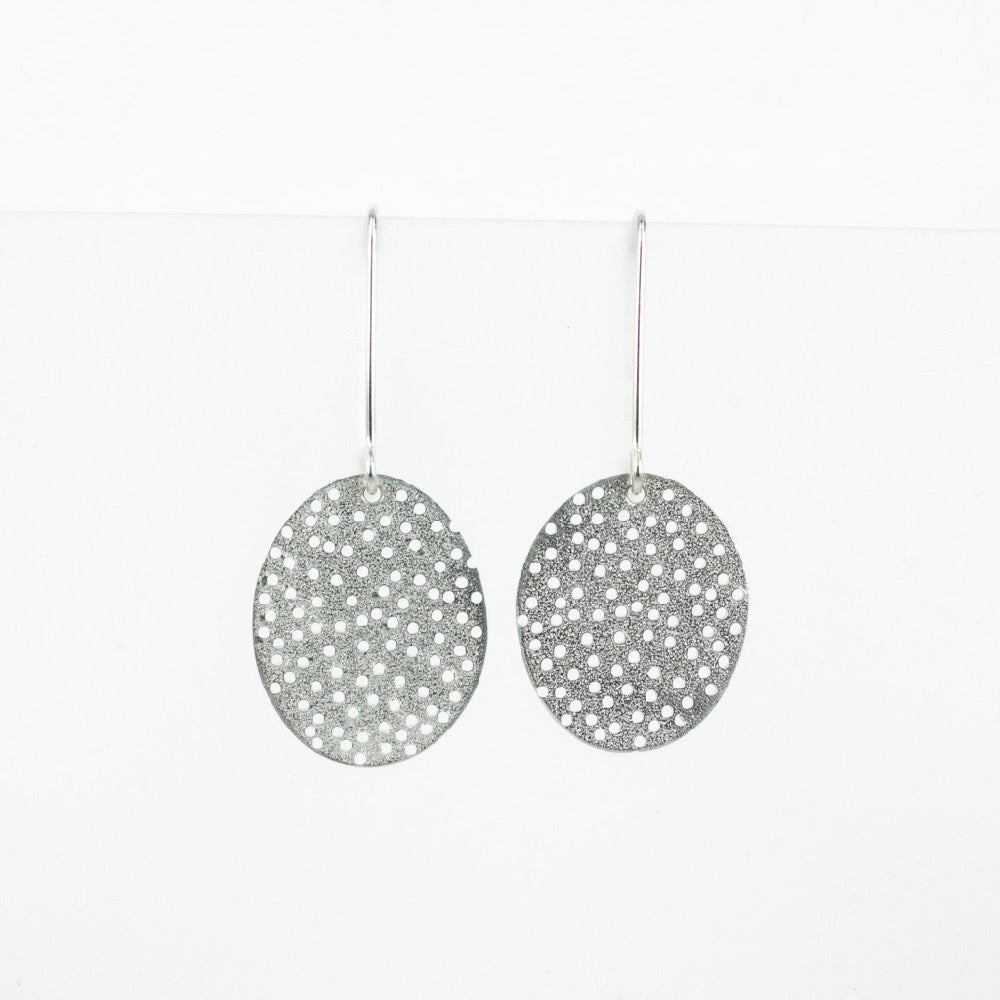 FS117: Holey disc earrings