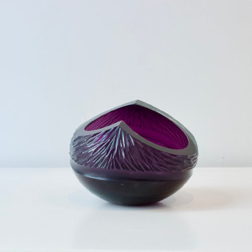 GS7: Purple carved bowl