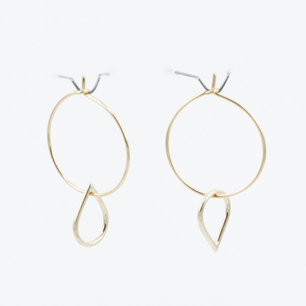 FS126: Teardrop hoops 9ct