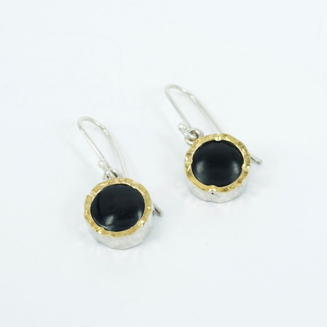 DM506B: Black cowell jade earrings