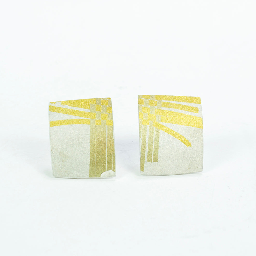 JB89: Weaver stud earrings