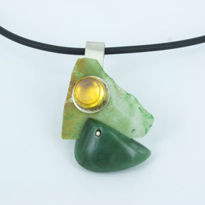 NA52: Pounamu and amber necklace