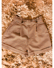 Load image into Gallery viewer, Plaid shorts