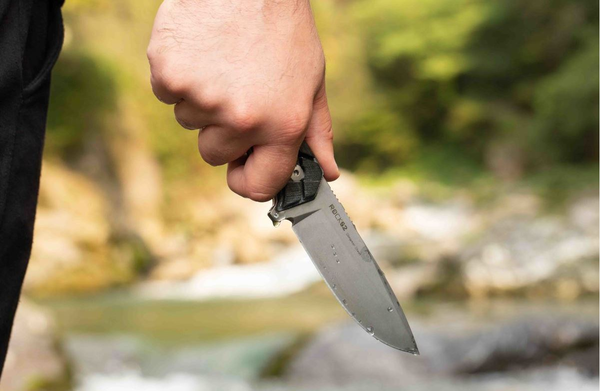 Let's cut to the chase - How to pick your survival knife