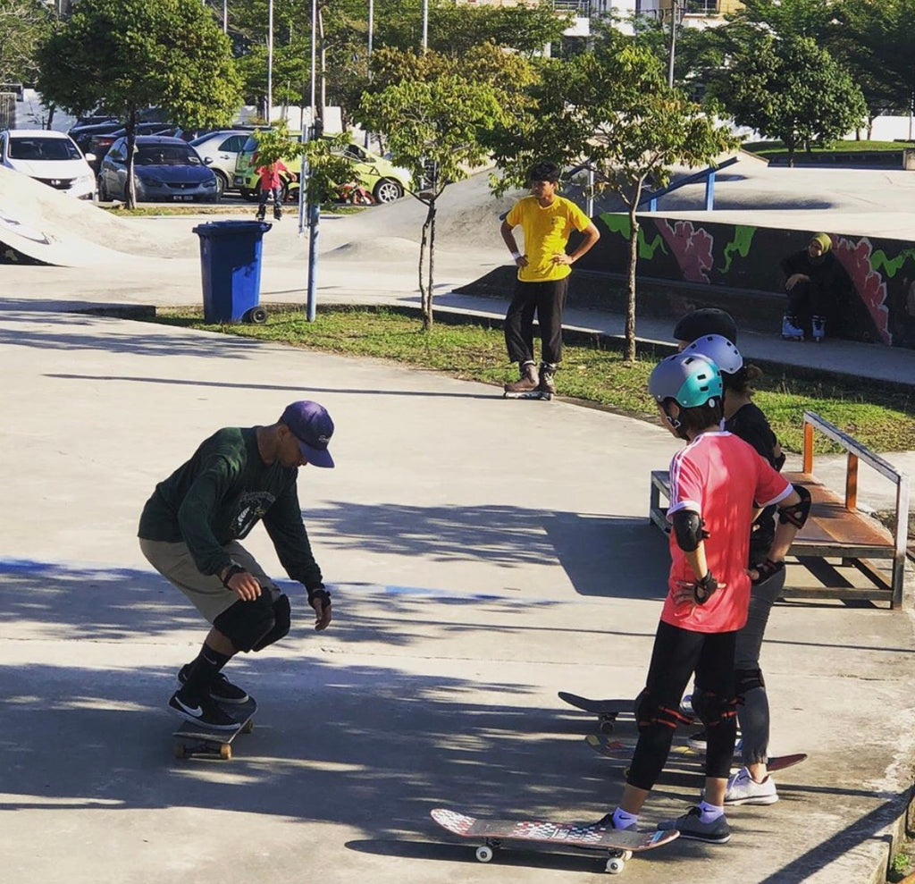 Jom Skate School - Learn to skateboard and inline skate!