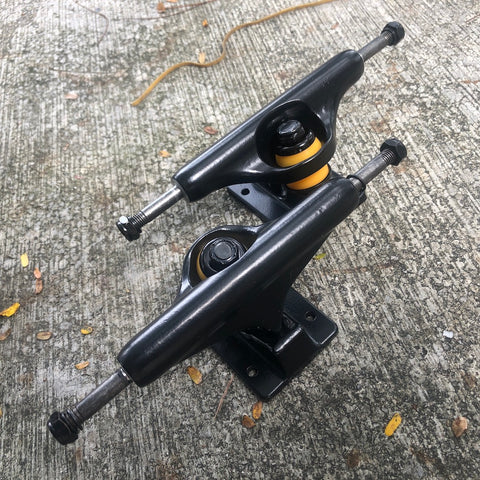 "BLANK - Black 5.25"" Skateboard Trucks"