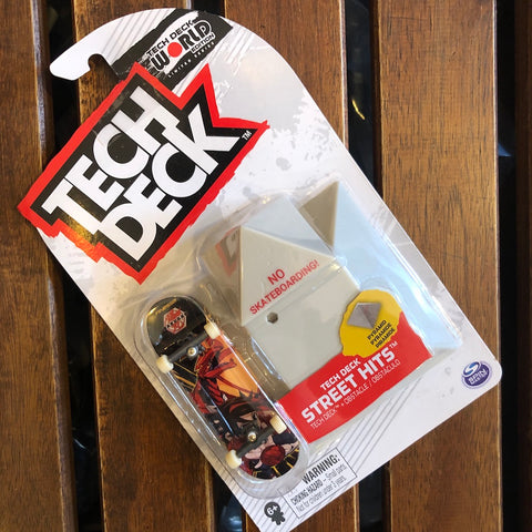 TECHDECK - Finesse Street Hits Plastic Fingerboard & Obstacle Set