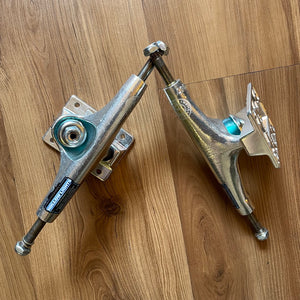 THUNDER - Hollow Polished II Skateboard Trucks
