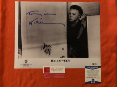 "Tommy Lee Wallace signed 11""x14"" Halloween Michael Myers Photo - Beckett COA"
