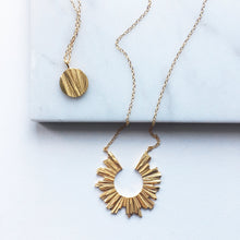 Load image into Gallery viewer, Moon Necklace - Golden