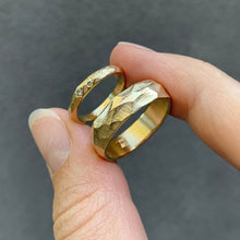 Load image into Gallery viewer, Bespoke wedding bands in 18 karat gold