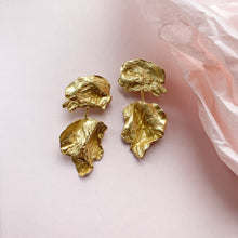 Load image into Gallery viewer, Dewfall Earrings - Golden