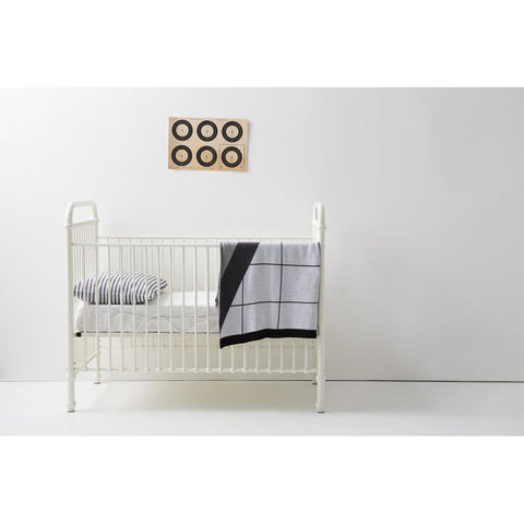Image of Incy Interiors Reese Crib in Solid White